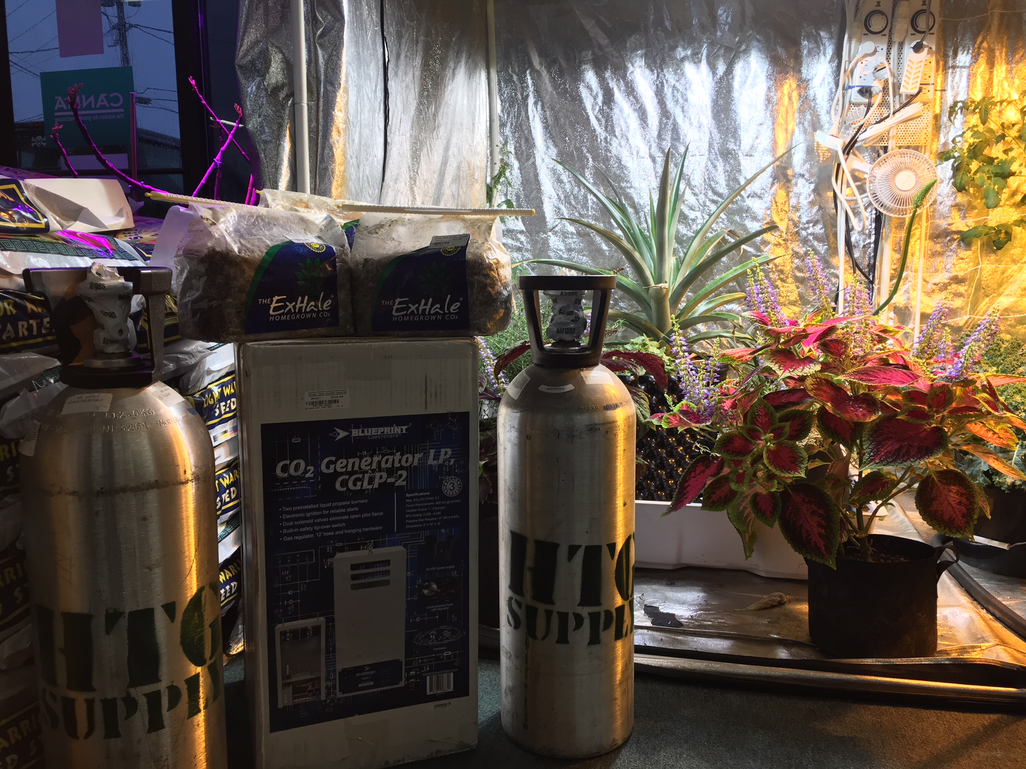 CO2 Enrichment Kits and Supplies for Indoor Gardens